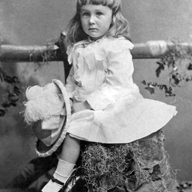 FDR as a child in gender neutral clothes